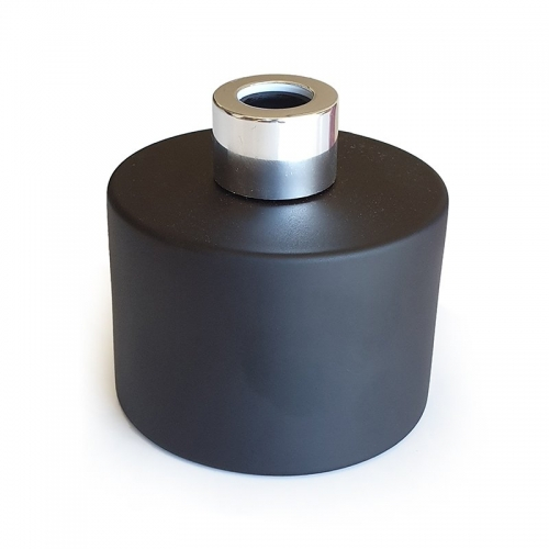 BLACK GLASS DIFFUSER BOTTLE